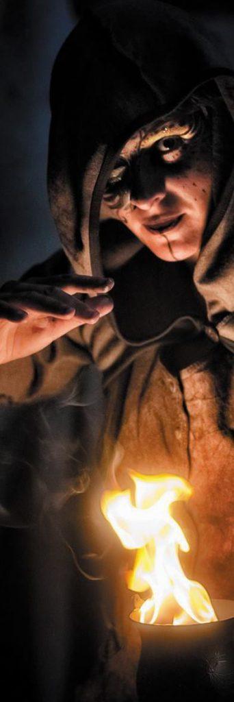 Esprits frappeurs : Un conte d'halloween enflammé
