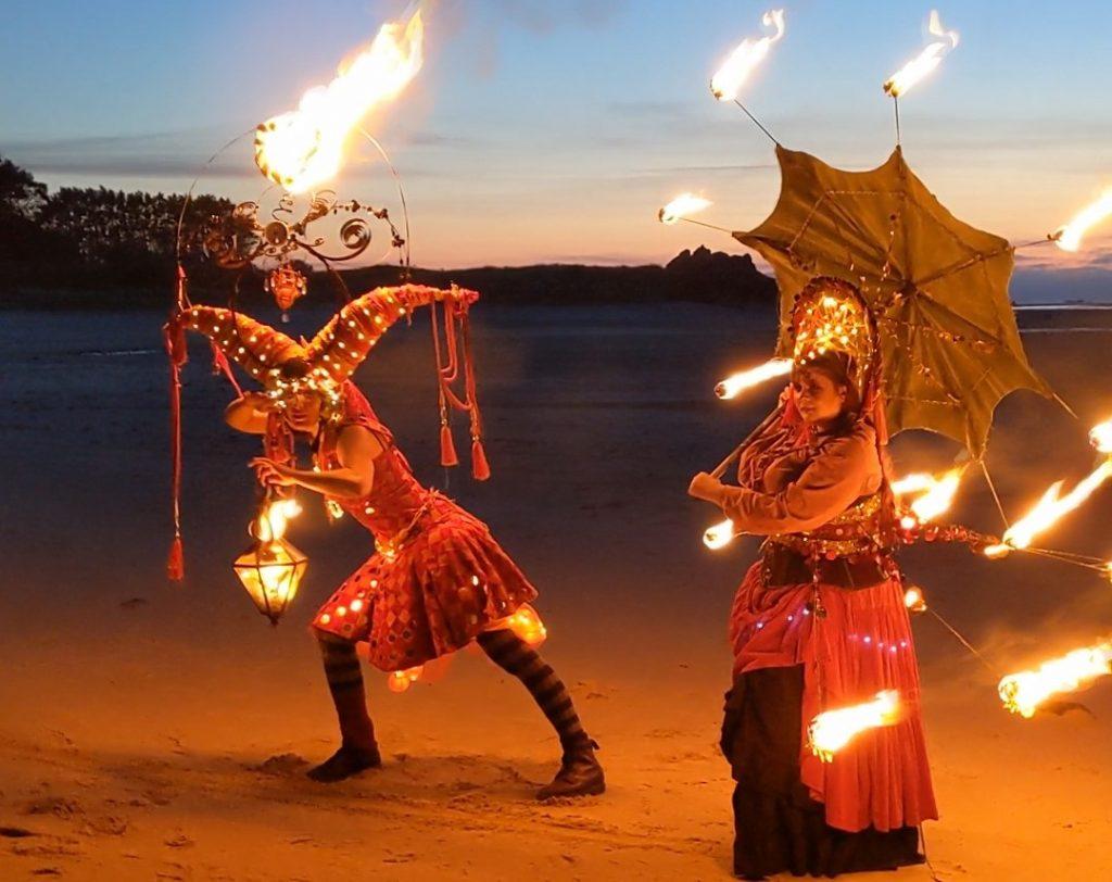 Spectacle de feu en déambulation en Bretagne