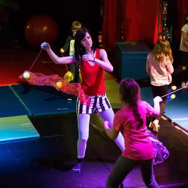 Atelier d'initiation au jonglage pour enfants