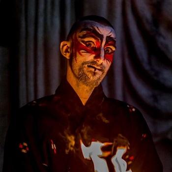 Bubule : Artiste de rue, jongleur et performer