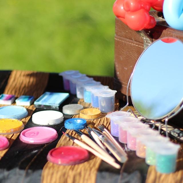 Maquillage pour enfants lors d'un anniversaire