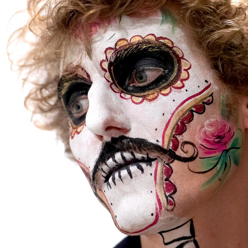 maquillage artistique adulte uv fluo